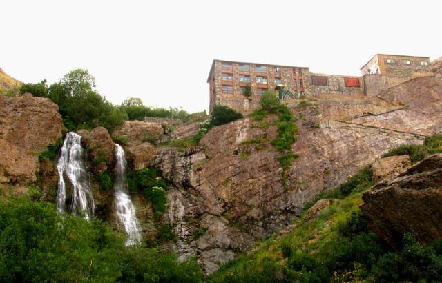 آبشار دوقلوی شیرپلا