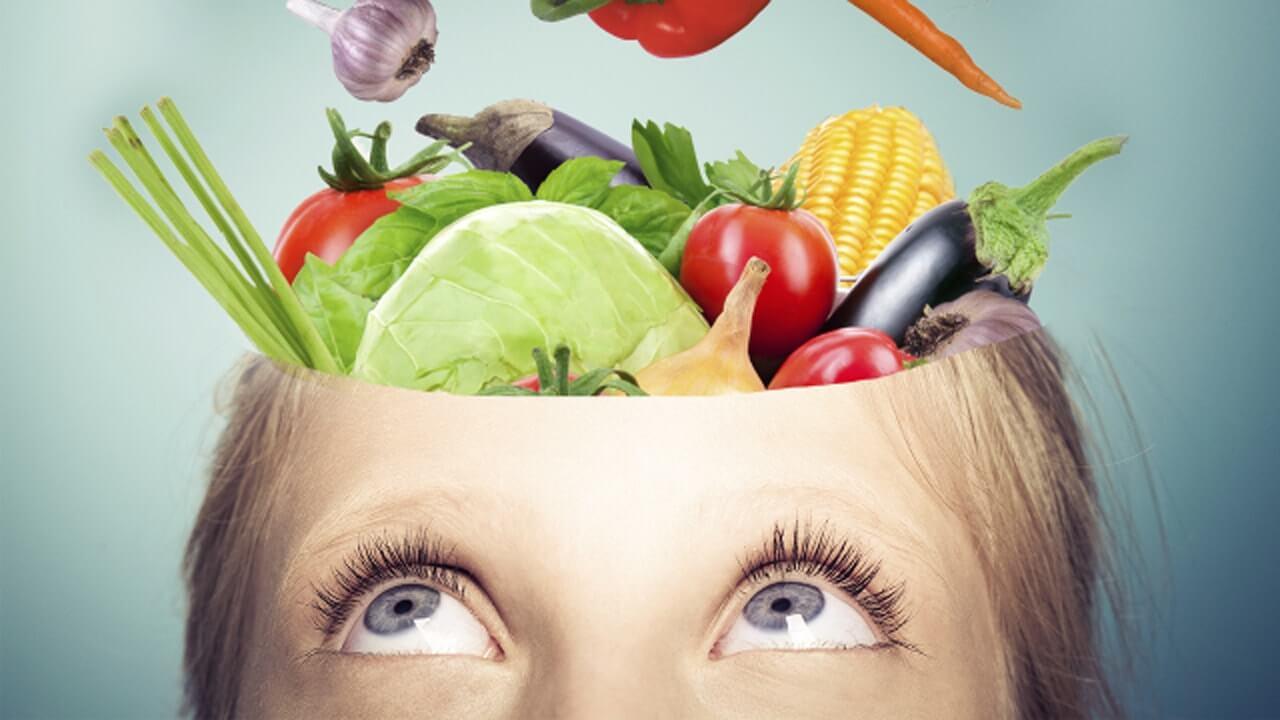 10 ماده غذایی برای افزایش قدرت مغز کودک