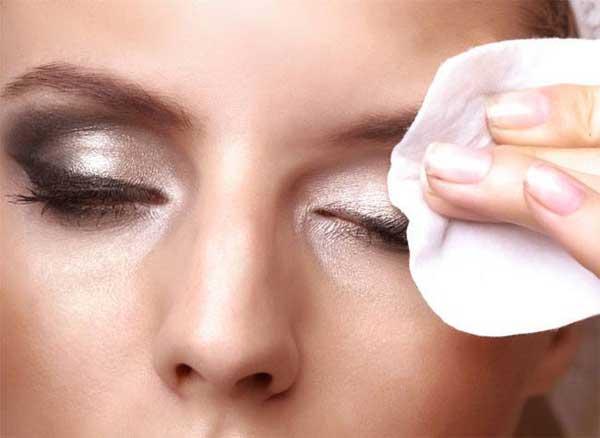 روش های صحیح پاک کردن آرایش صورت